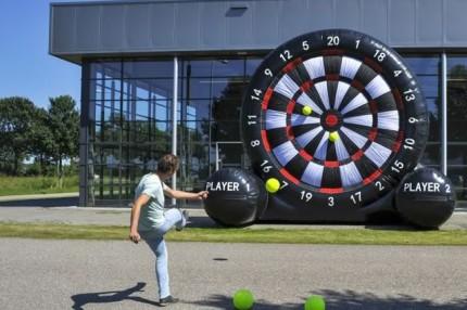 giant-foot-darts-game-rental